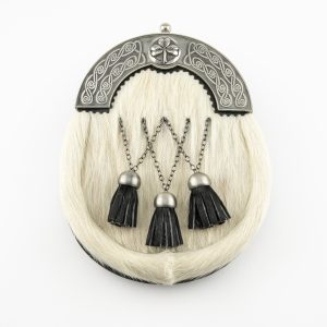 Dress Sporran - Off White Bovine, Criss Cross, Antique Shamrock Cantle